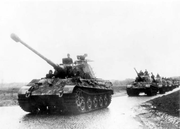독일 503 중전차대대 타이거-2 전차의 철도 수송용 소폭 트랙- German schwere Panzer Abteilung 503 Tiger -2 Tanks railway transport track